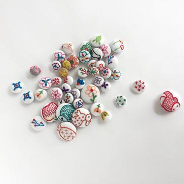 ハンドメイド刺繍 ボタン(大)