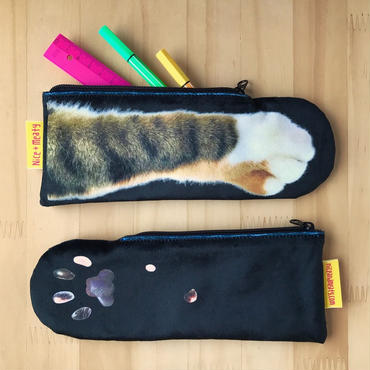 CAT PAW POUCH _fluffy_black_Tabby Tricolore