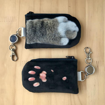 CAT PAW PASS HOLDER _fluffy_black_Okinawa
