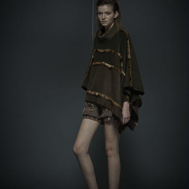 50%OFF!!! SHIROMA 16-17A/W DARK AGES fur fringe knit poncho -khaki-