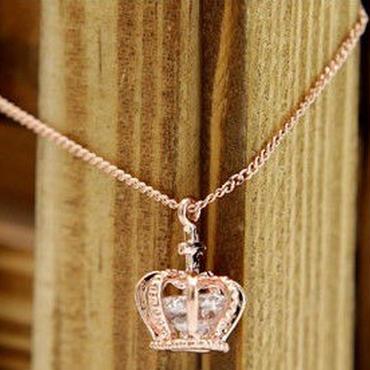 王冠 モチーフ 可愛い ネックレス おしゃれ ピンクゴールド
