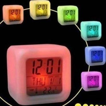 光る 時計 レインボー LED キューブ かわいい インテリア