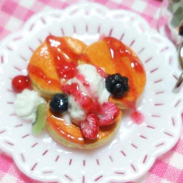 ♪いちごパンケーキのキーホルダー♪