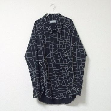 【 7/1~8/15 WEB注文受付中 】張り巡らされたシャツ