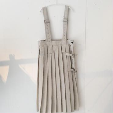 【6/23~8/16 WEB受注受付中】経年真価のロングプリーツ吊りスカート