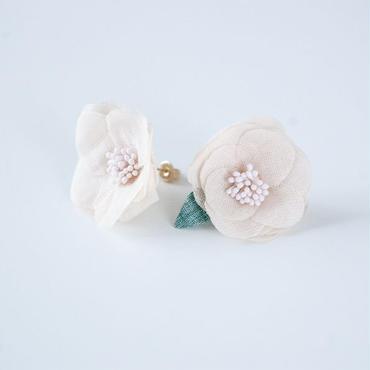 Camelia Pierced Earrings  PINK