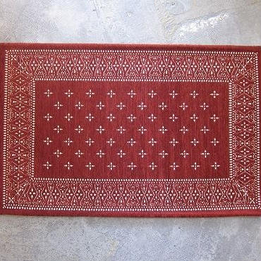BANDANNA RUG / cross / burgundy