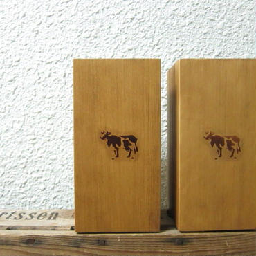 COW BOOKS / Bookends / L