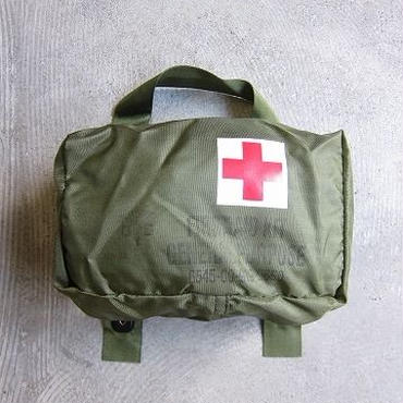 U.S. MILITALY / FIRST AID POUCH / DEAD STOCK