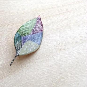 木の葉のブローチ(D)