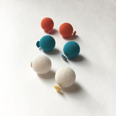 pierced earrings -L-