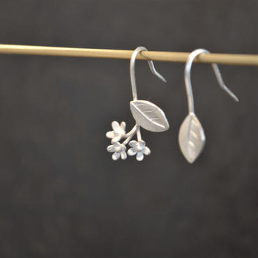 OLD TO NEW ピアス 忘れな草 silver