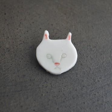 大島奈王 猫ブローチ 顔 平面  (白)