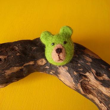 立体クマのブローチ