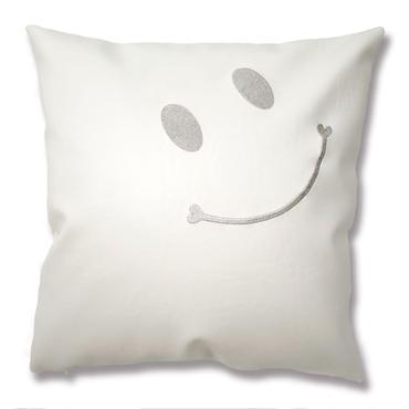 ニコちゃんスマイル刺繍クッションカバー 45×45 ホワイト×シルバー