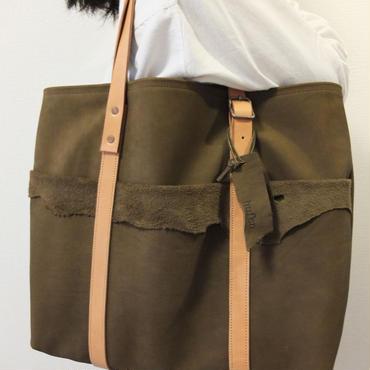 送料無料:ポケットがインパクト大♪ヌバック革トートバッグ