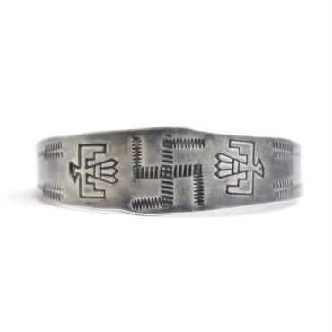 Dotted Line Whirling Log Thunderbird Bracelet / Fred Harvey Style