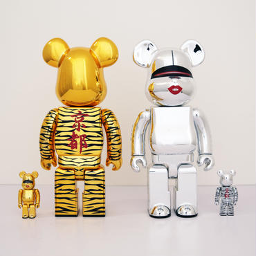 Hajime Sorayama x Tyga BE@RBRICK Silver and Gold 400%+100%
