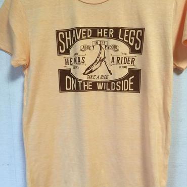 シェービングのTシャツ