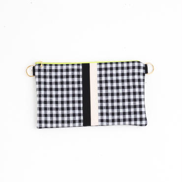 【online store限定】chain clutch gingham black
