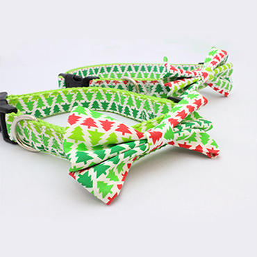 犬のクリスマスカラーの蝶ネクタイ