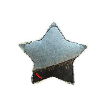 araiyan デニムの星型クッション