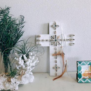 Bohemian Cross 13