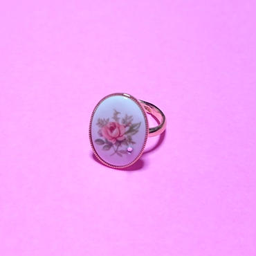 Flower Cabochon ring/pink