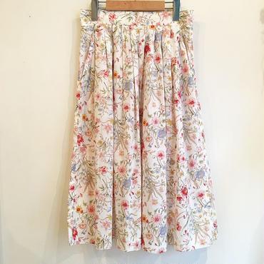 オリエンタル花柄スカート