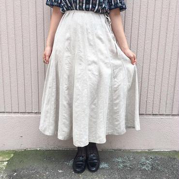 ホワイトベージュフレアスカート