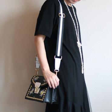 【ご予約番号:2017B1】フラワー刺繍ミニバッグ