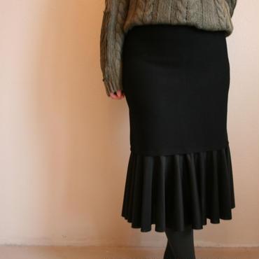 フレアタイトスカート