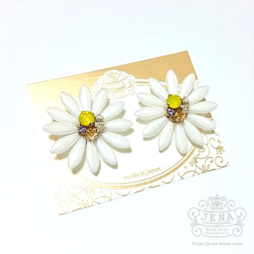 BIG Flower  ピアス 【WHITE】
