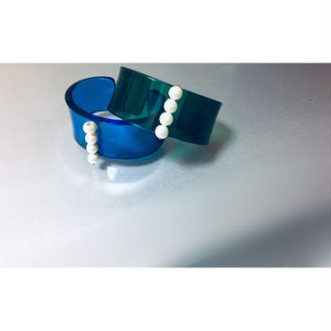 br-8   acrylic bangle---blue,green