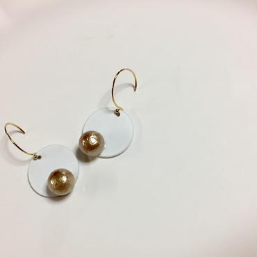 pi-32  〇 on pearl...White × Gold