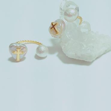 ミニクロス付きハート型淡水パールとコットンパールのリング   フリーサイズ