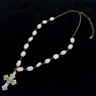 クィーンコンクシェル × マリアメダイ付き  ピンクシェル透かしクロス(十字架)の14kgfネックレス