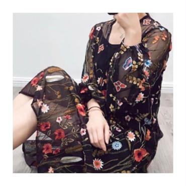 刺繍シースルーワンピース