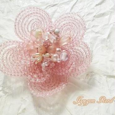 お花のコサージュ・ブローチ(さくら)
