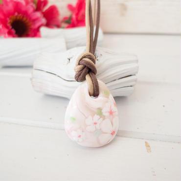 【 ペンダント 】しずくの 桜の花  白 no.581N
