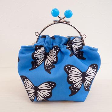 【 Cha-Cosy 】キャンディーがま口 ポーチ 青 かあり柄 蝶 バタフライ