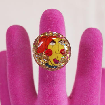 yellow face ring