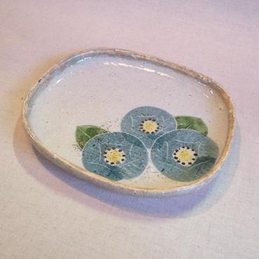 青の椿タタラ楕円皿