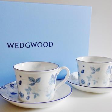 ウエッジウッド ストロベリーブルー ティーカップ&ソーサー デルフィーペア(ペアブランドボックス付き)