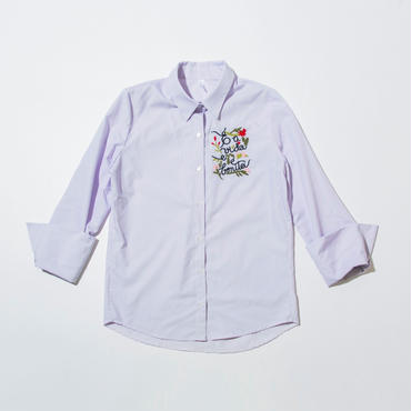 刺繍ロゴ入りシャツ