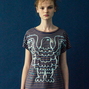 ワシのテープ刺繍Tシャツ (beige x blue)