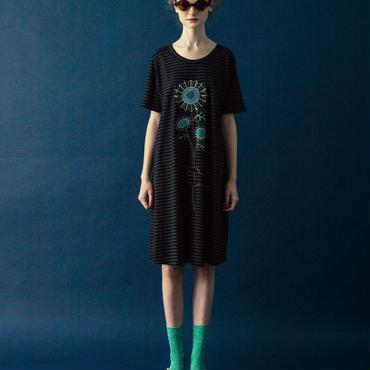 ヒマワリ刺繍のカットソーワンピース