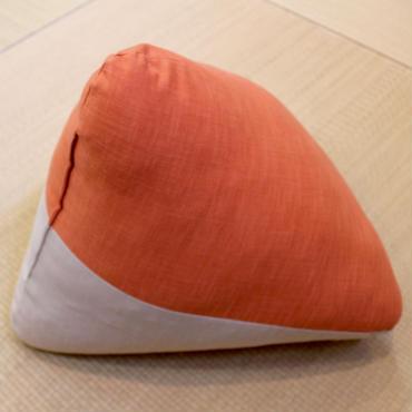 三角枕 むら糸 蜜柑× 丁子茶