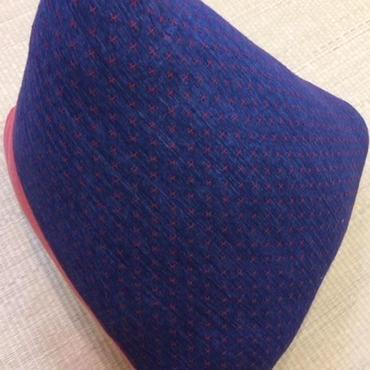 三角枕 絣刺子 藍 × むら糸 茜