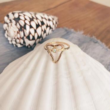 14kgf opal shark tooth ring